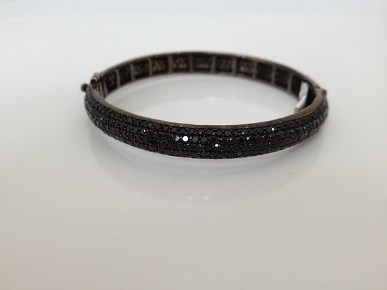 Black Spinnel Bangle