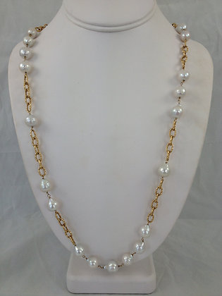 Baroque Pearls & Yellow Gold