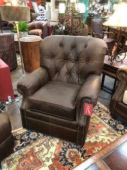 Mayo Swivel Chair