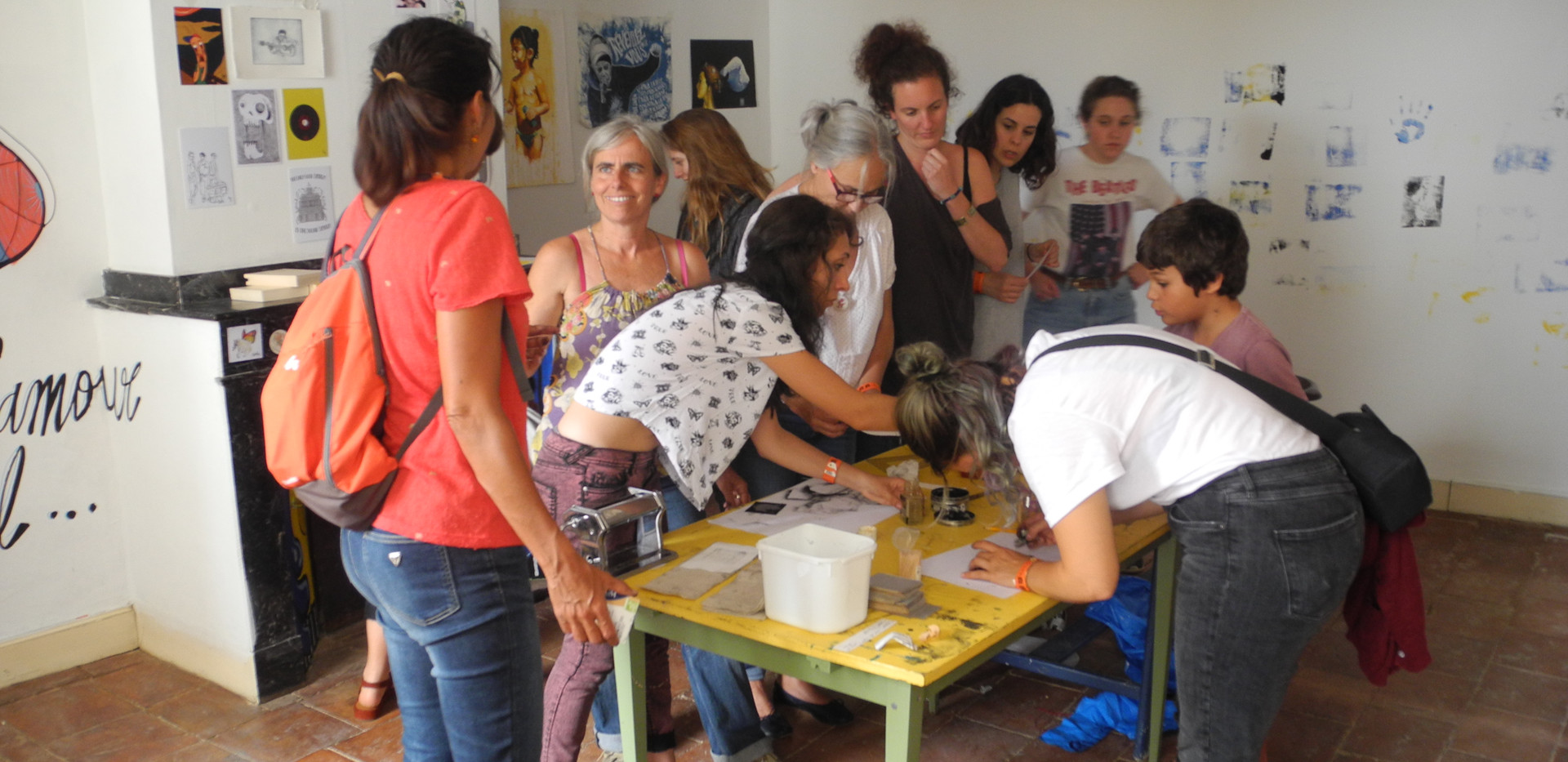 Atelier de gravure de McFly-illustration (Amandine Marty) aux Estivales de l'illustration
