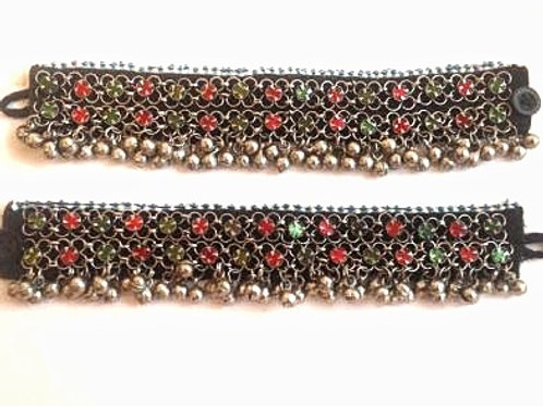 PAIR OF ANKLETS RED AND GREEN
