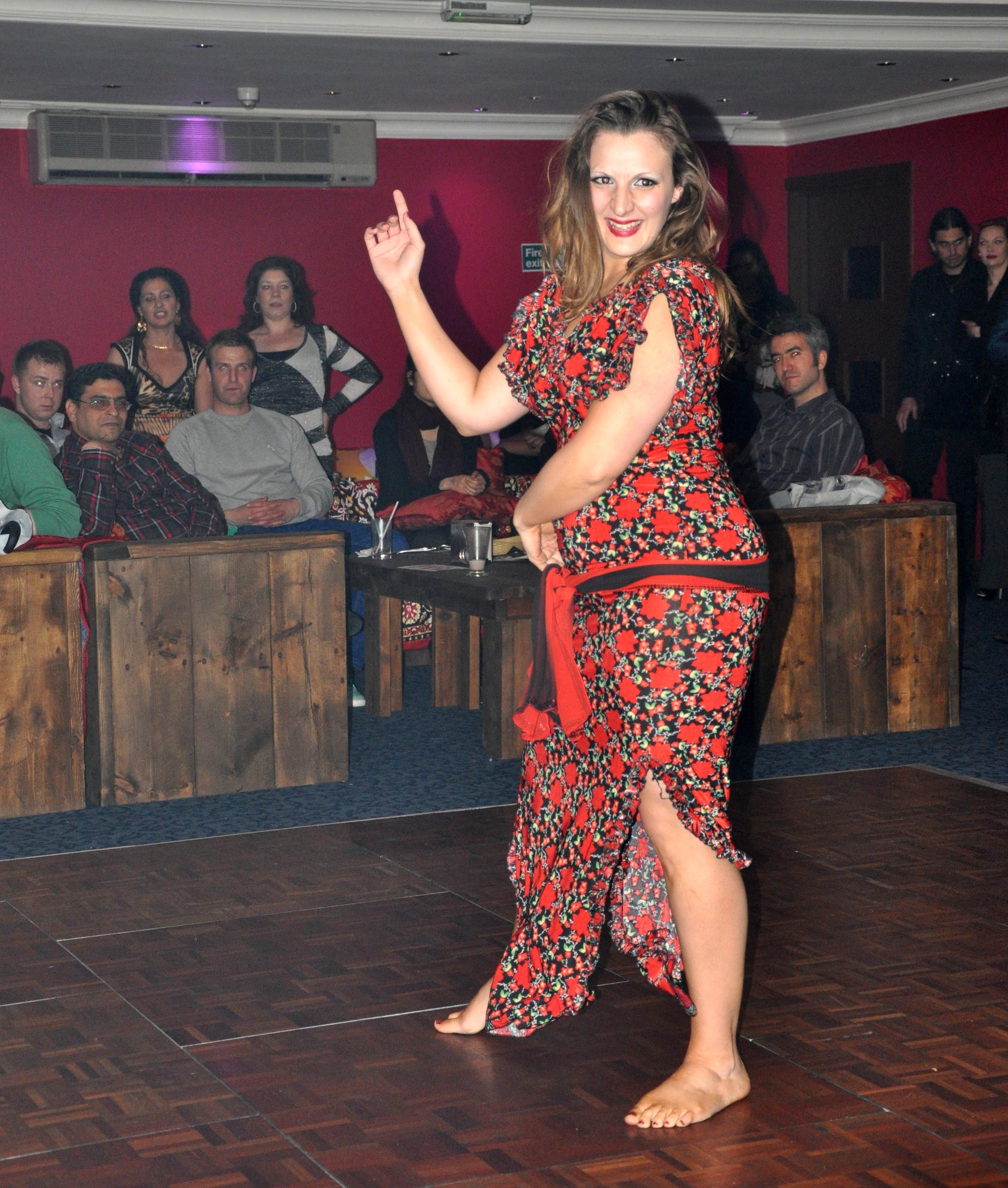 Zara Dance Dancing Baladi