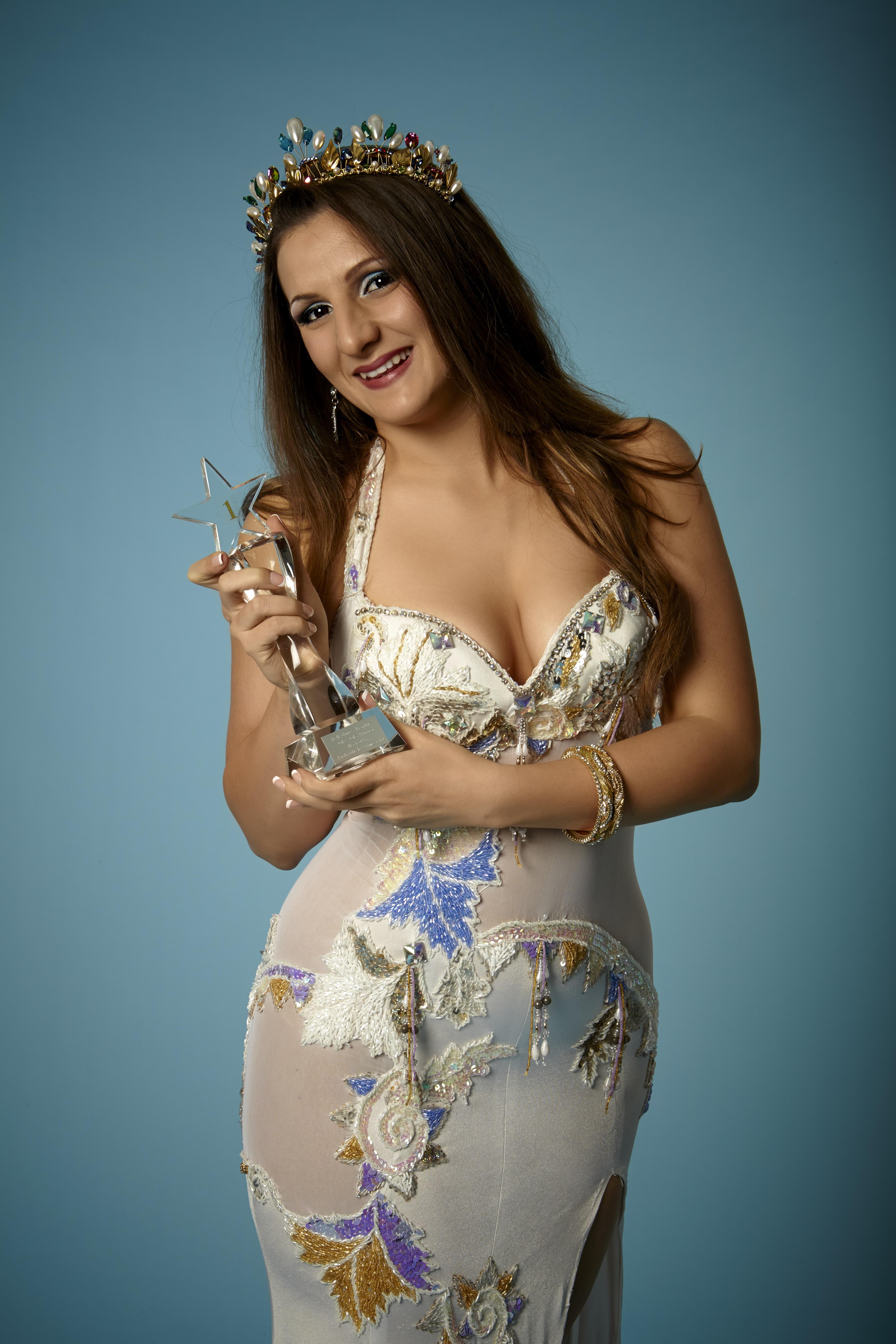 Zara Dance Egyptian bellydancer