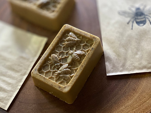 Honey+Bee Pollen Face Soap