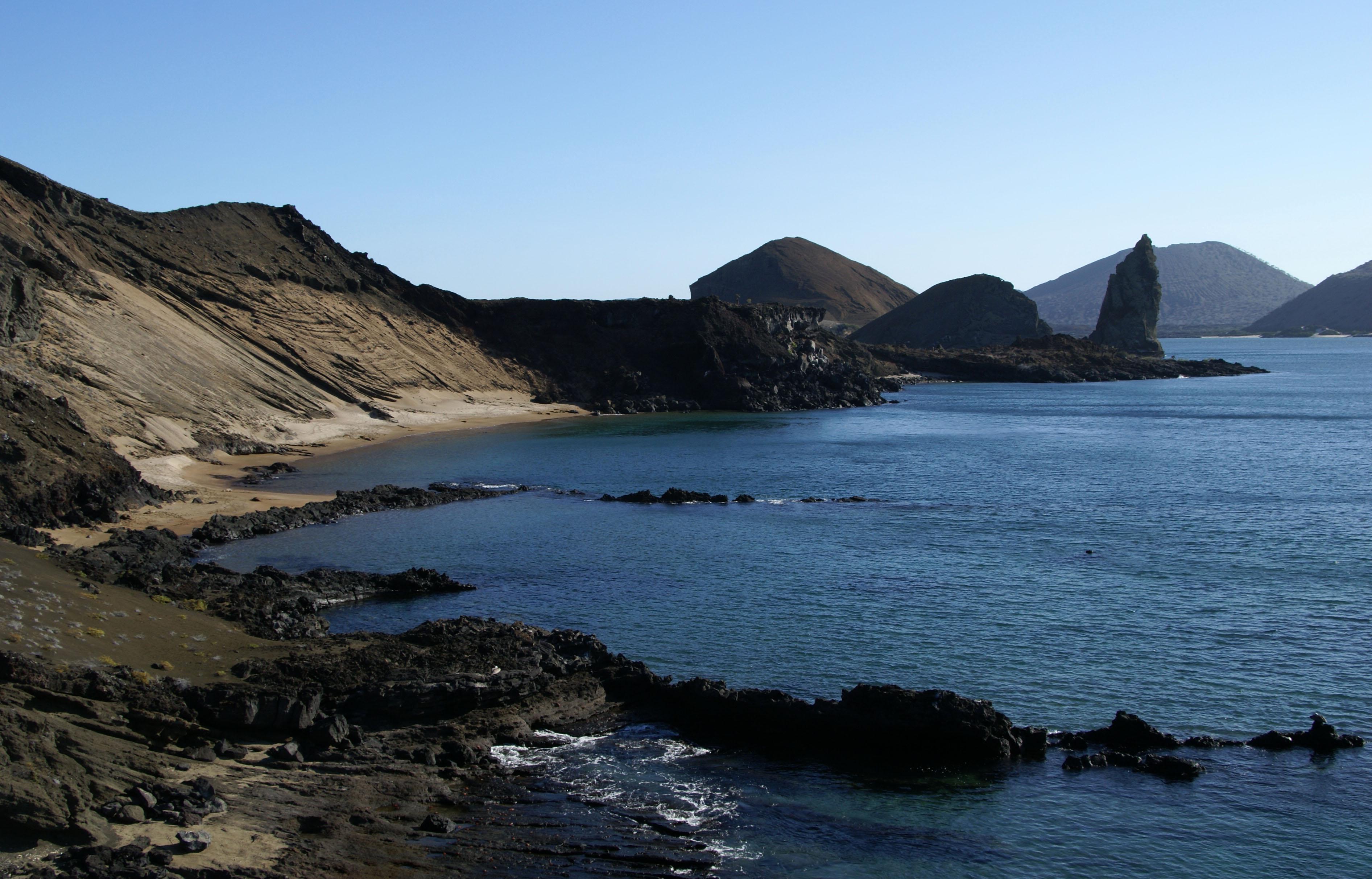 Bartolomé submarine crater