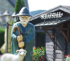 wendelin-schafstall-tilt-3-885x596.jpg