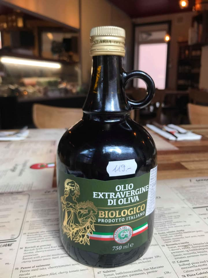 Italiensk biologisk oliven olie.jpg