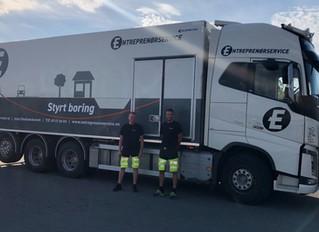 Entreprenørservice - dekoration af lastbil