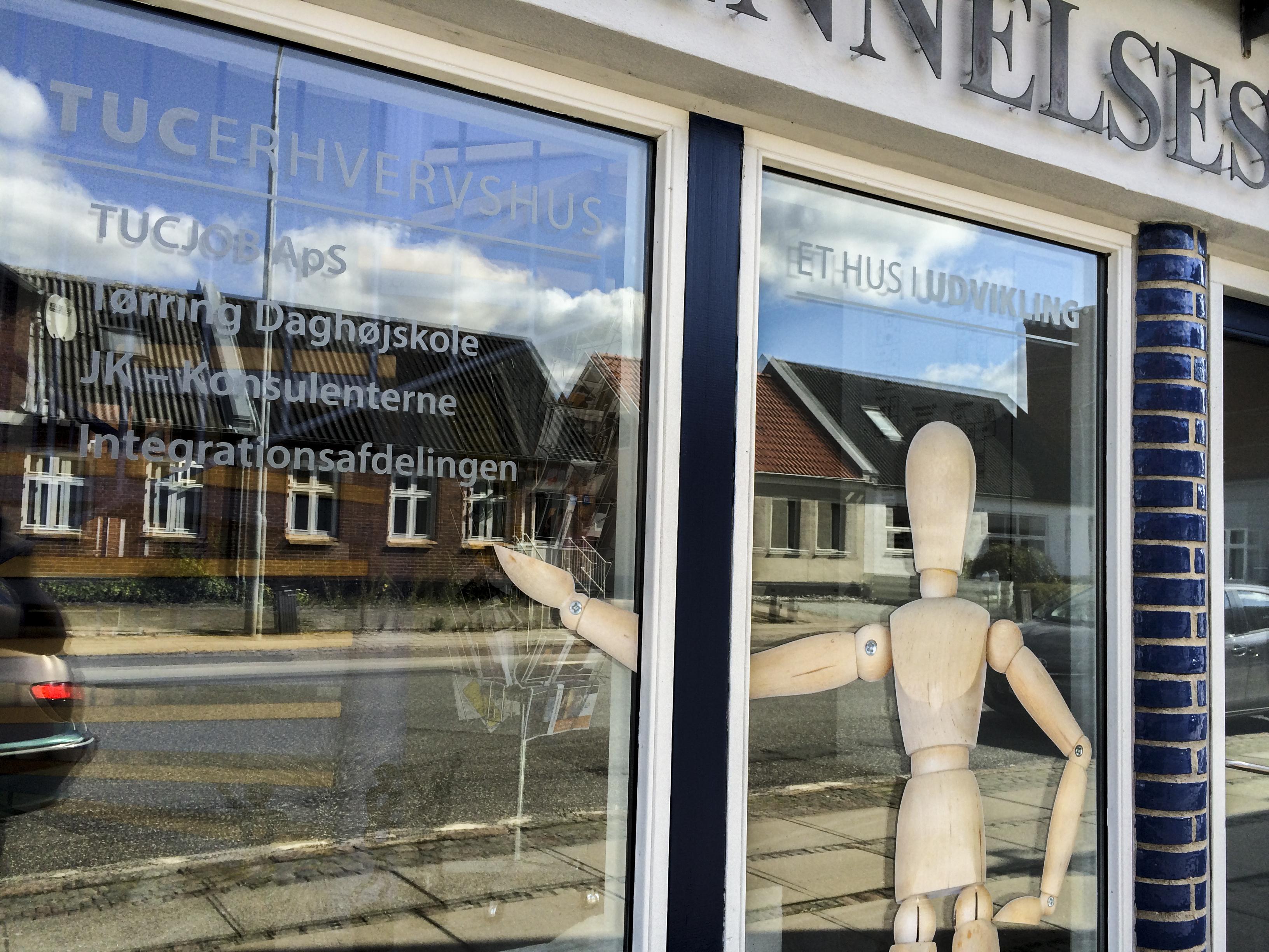 TUCErhvervshus folie på vinduer