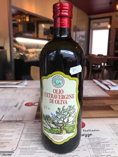 Extra jomfru oliven olie.jpg