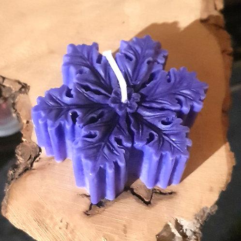 bougie de couleur violet foncé, bougie artisanale