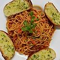 Spaghetti Bolognese With Garlic Bread