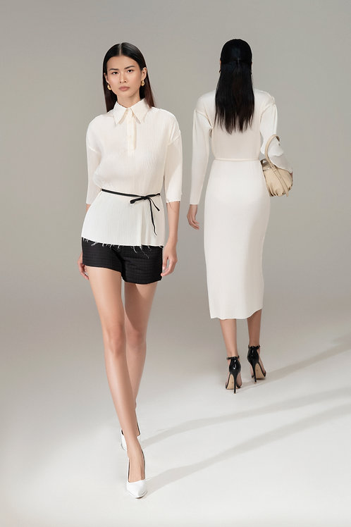 RS21: TOP(A21): 1.550.000 VND PANTS(Q08): 1.250.000 VND