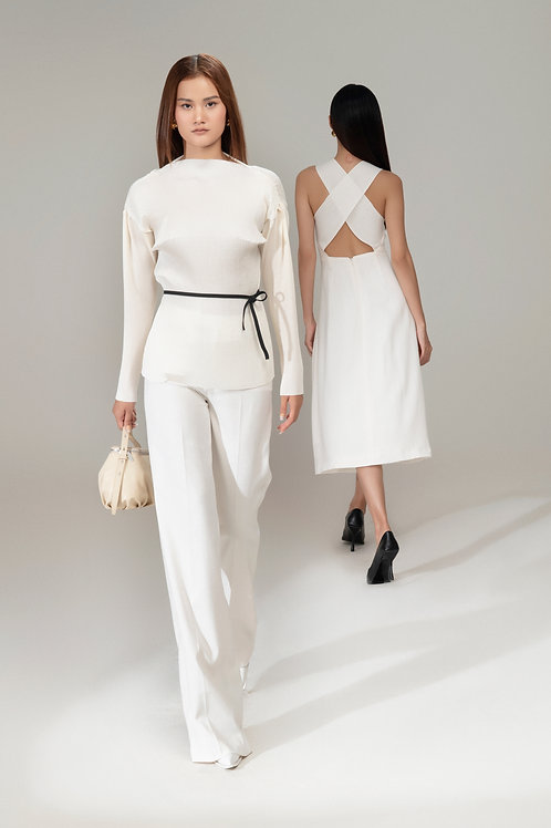 RS21: TOP(A05): 1.650.000 VND PANTS(Q01): 1.450.000 VND