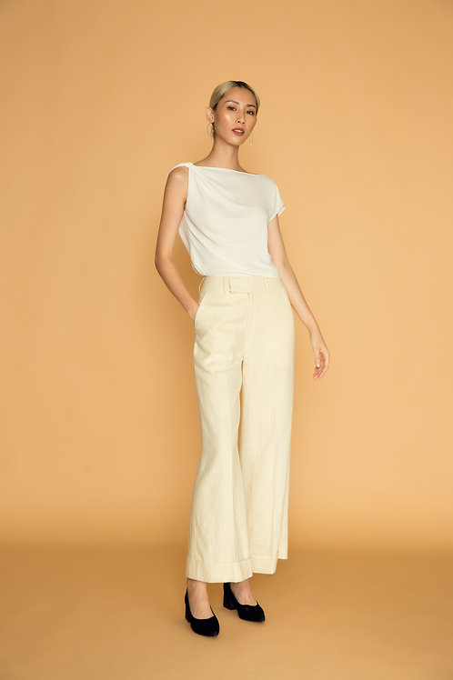 PF18: TOP(A3): 850.000 VND PANTS(Q6): 1.450.000 VND