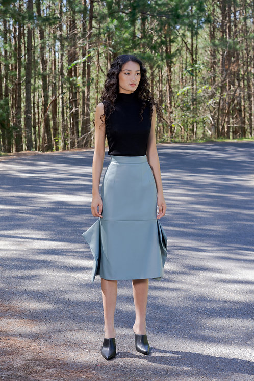 FW18: TOP(A6): 850.000 VND SKIRT(V3): 1.350.000 VND