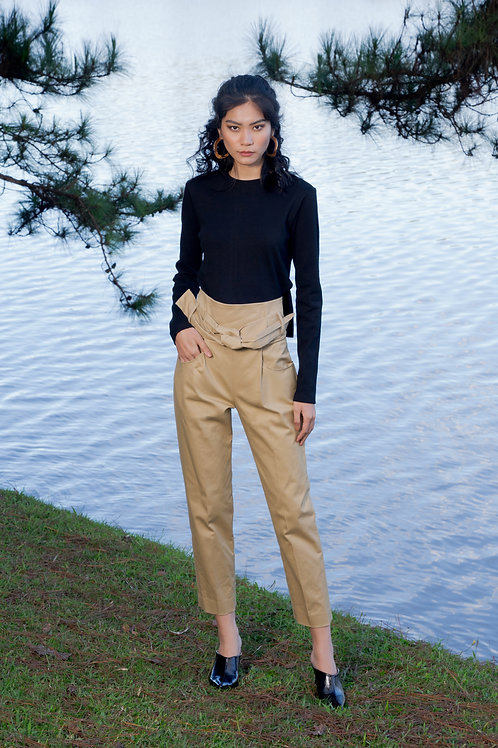 FW18: TOP(A15): 850.000 VND PANTS(Q4) 1.250.000 VND
