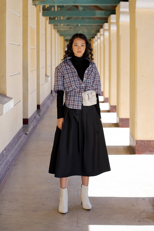 FW18: TOP(A12): 1.050.000 VND SKIRT(V4) 1.350.000 VND