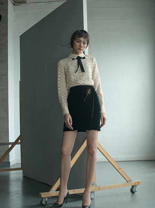 PS19: TOP(A6): 1.950.000 VND SKIRT(V3) 1.650.000 VND