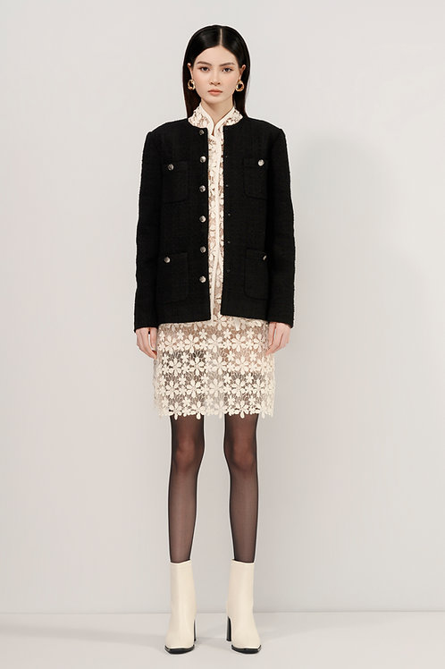 FW20: TOP(A07): 3.550.000 VND TOPin(A06): 2.550.000 VND SKIRT(V02):2.550.000 VND