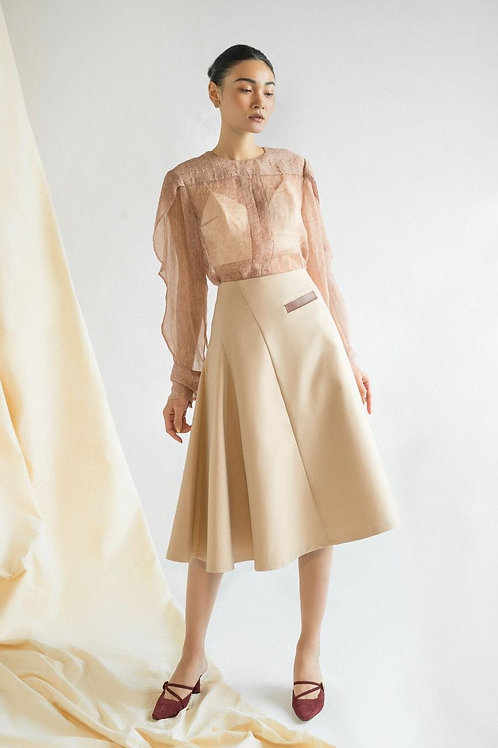 FW19: TOP(A2): 1.450.000 VND SKIRT(V6): 1.250.000 VND