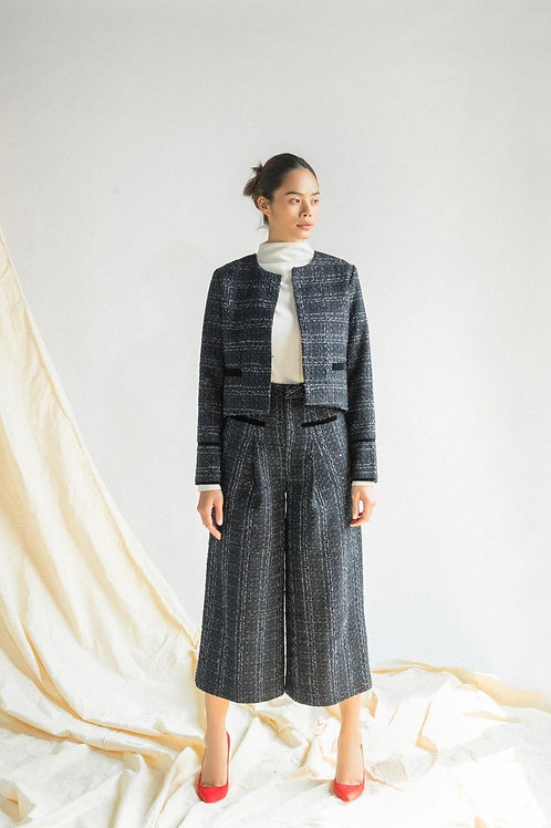 FW19: TOPout(A16): 1.750.000 VND TOPin(A15): 1.150.000 VND PANTS(Q5): 1.450.000