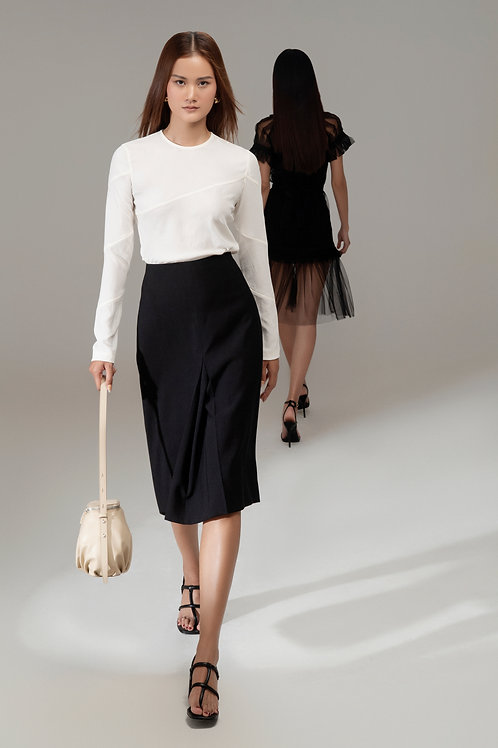 RS21: TOP(A16): 1.450.000 VND SKIRT(V09): 1.450.000 VND