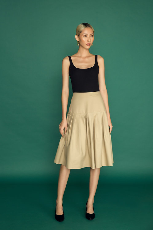 PF18: TOP(A2): 650.000 VND SKIRT(V1): 1.250.000 VND