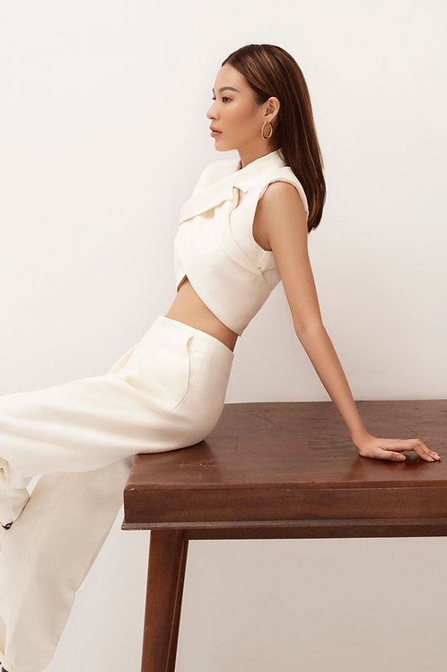 SS20: TOP(A7): 2.250.000 VND  PANTS(Q4): 1.450.000 VND