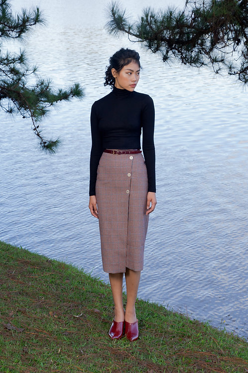 FW18: TOP(A5): 1.150.000 VND SKIRT(V6) 1.250.000 VND