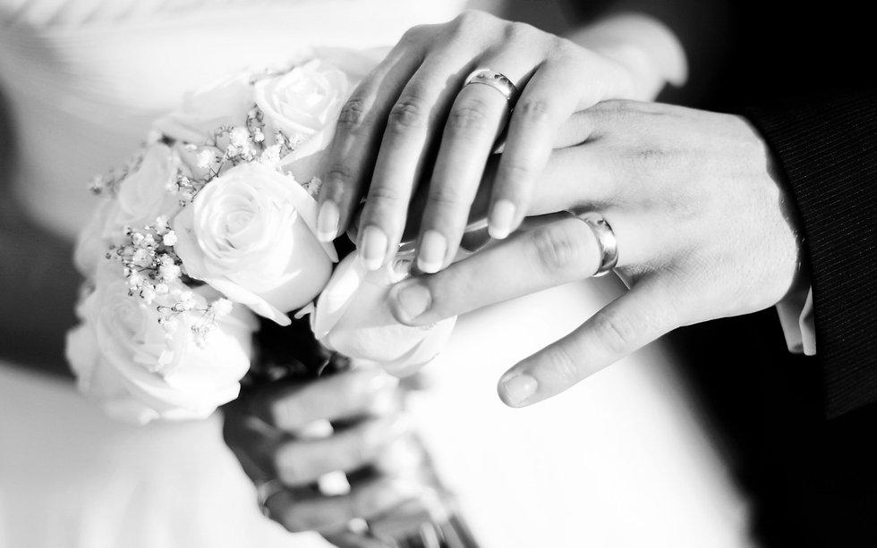 weddinghandsflowers.jpg