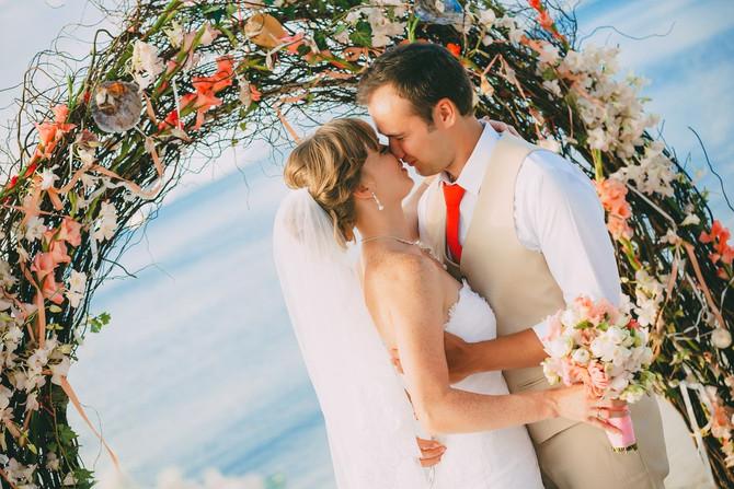 Costal coral theme wedding at Samui Max&Alena