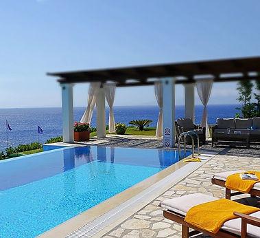 Villa swimming.jpg