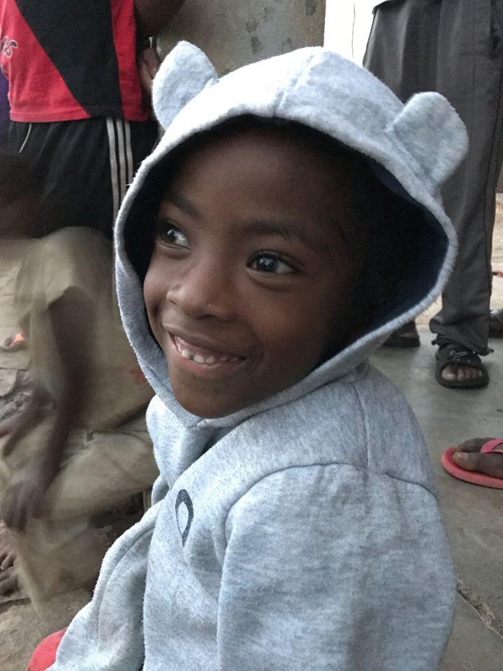 Les chaînes du coeur que nous sommes capables de faire en France prendraient tout leur sens ici, avec cette enfant.
