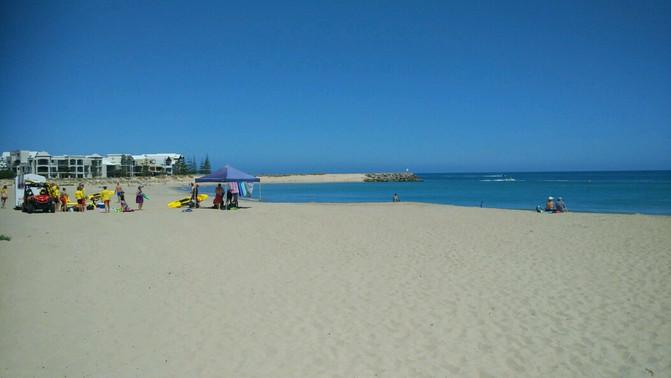 Mandurah Beaches on a busy day.
