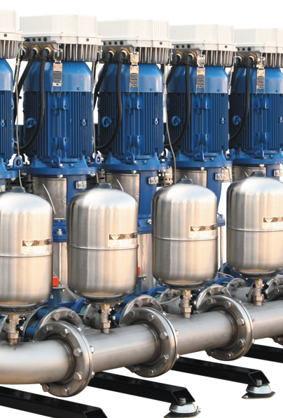 Booster set with pressure vessels