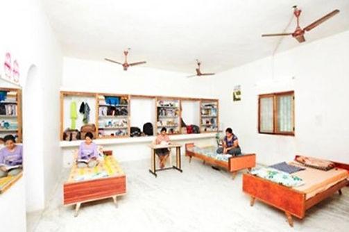 hostel_2.jpg