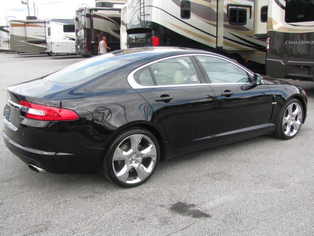 2009-jaguar-xf-supercharged-005.jpg