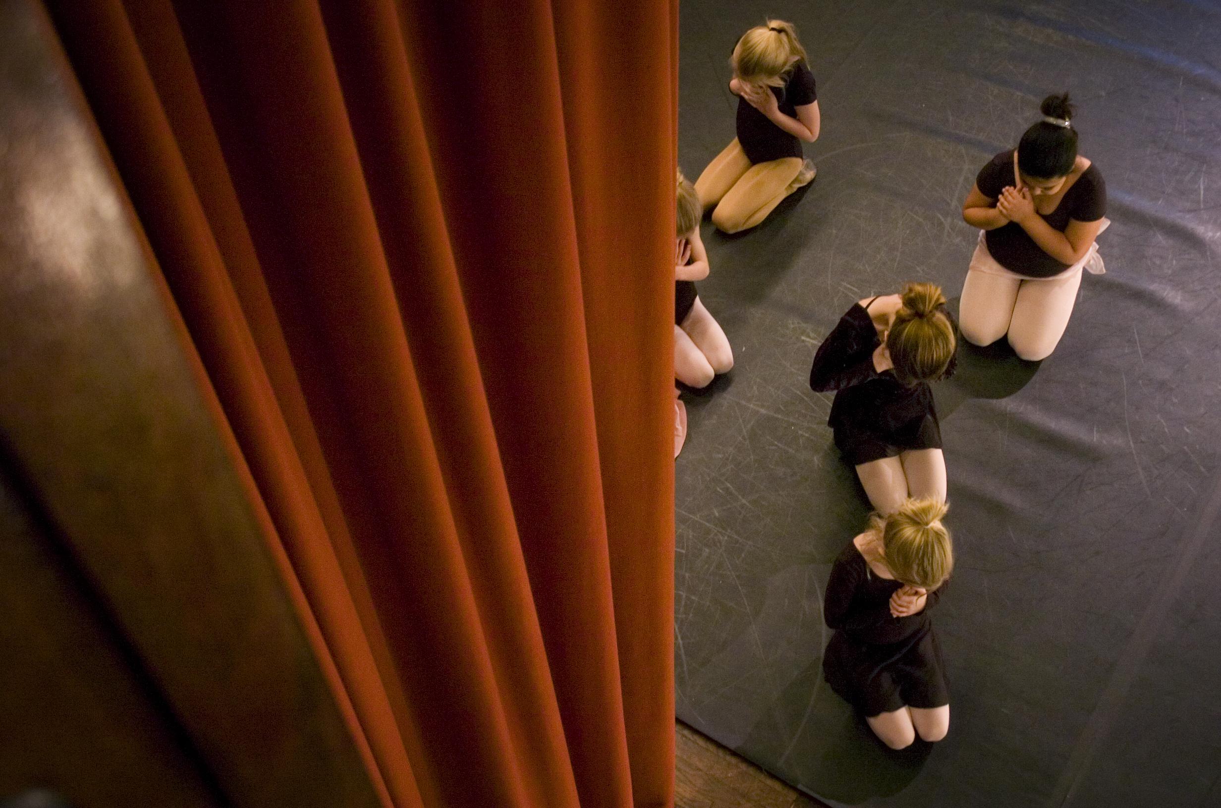 03.05.09_ballet1.jpg