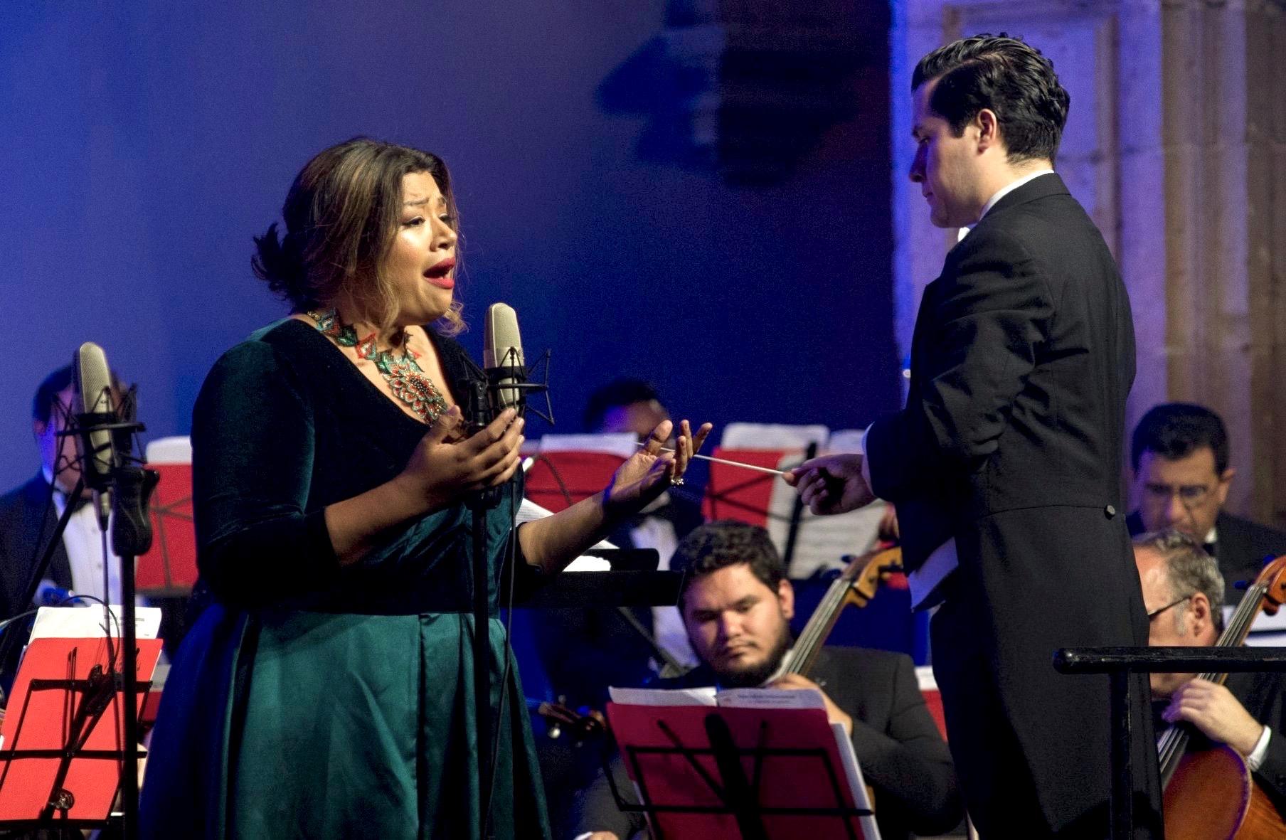 Gala 2019 Claudia Chapa - Felipe 1