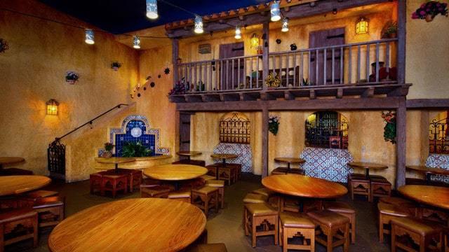 Magic Kingdom Dining - Pecos Bill Tall Tale Inn and Cafe (lunch)
