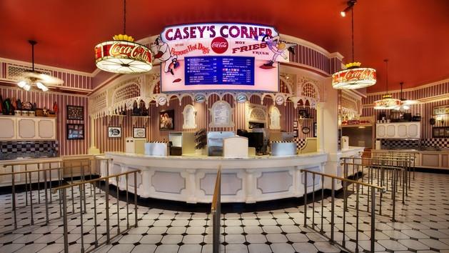 Magic Kingdom Dining - Casey