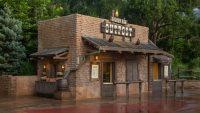Magic Kingdom Dining - Golden Oak Outpost (lunch)