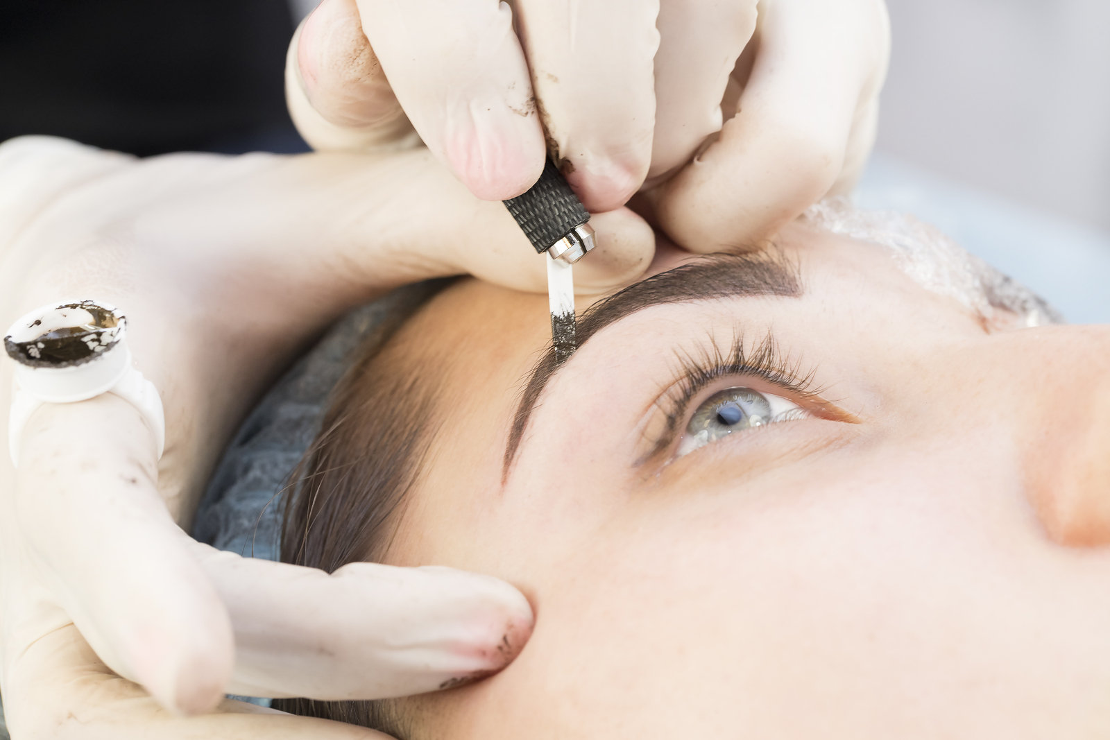 Microblading 8-12 month colour boost