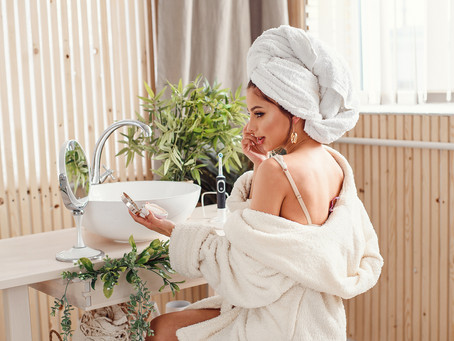 Could Shower Shields Be The Answer To Flawless Make-up All Day Long?