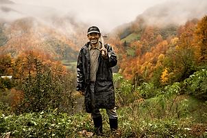 3PHOTO Bosnian Cow Farmer.PNG