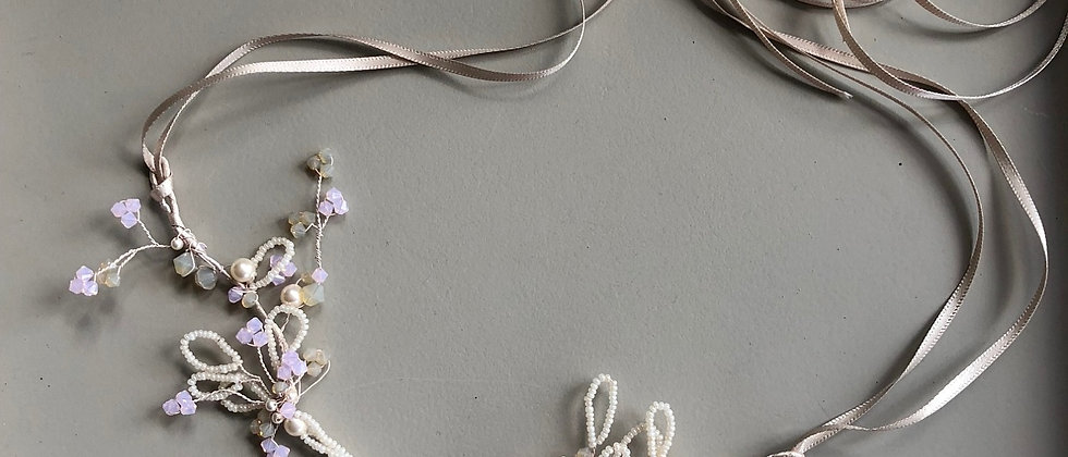 Delicate looped seed bead and crystal vine