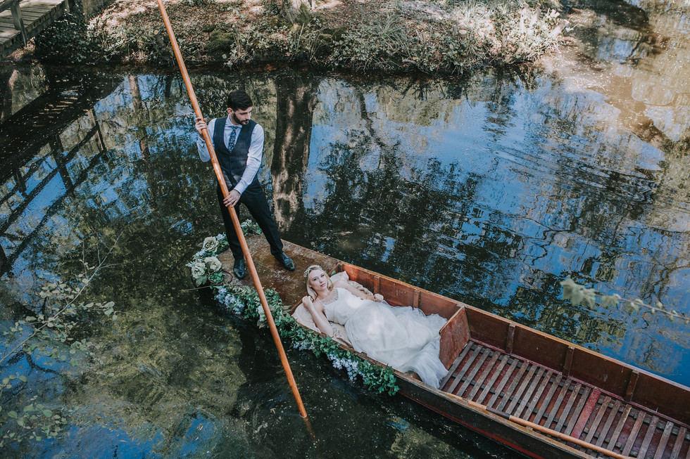 RIVER ROMANCE - an English riverside elopement styled shoot