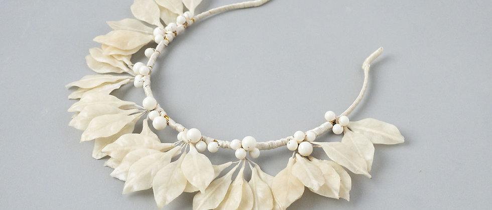 Vintage Ivory Wax Leaf Halo