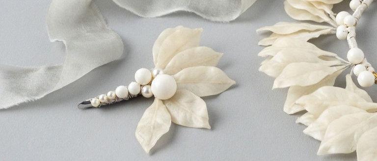 Vintage Ivory Wax Leaf hair clip
